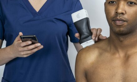 Clarius Mobile Health Releases Pocket-Sized Ultrasound Device